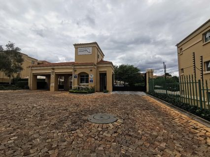 R 9,500 - 1 Bed Apartment To Rent in Northcliff