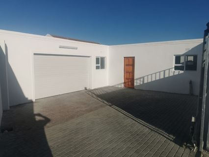R 1,300,000 - 6 Bed House For Sale in Dennemere