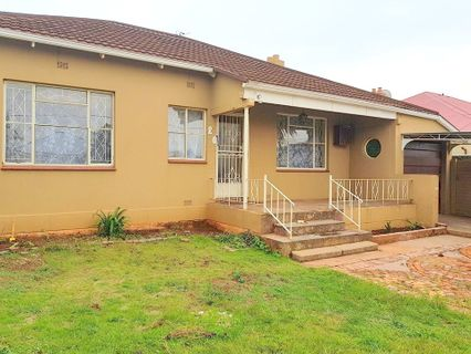 R 1,099,000 - 5 Bed House For Sale in Krugersdorp North
