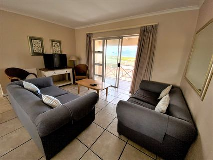 R 1,800,000 - 2 Bed Flat For Sale in Bloubergstrand