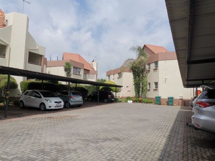 R 1,100,000 - 2 Bed Property For Sale in Bedfordview