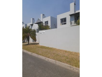R 895,000 - 2 Bed Flat For Sale in Protea Heights
