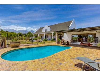 R 4,490,000 - 4 Bed Property For Sale in Firlands