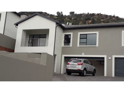 R 14,000 - 4 Bed Property To Let in Allens Nek
