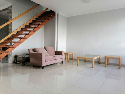 R 1,250,000 - 2 Bed Flat For Sale in Essenwood