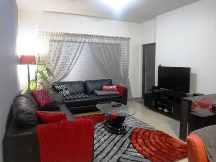 R 11,000 - 2 Bed Flat To Let in Parkwood