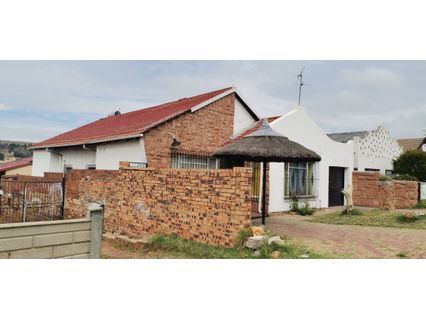 R 720,000 - 3 Bed House For Sale in Riverlea