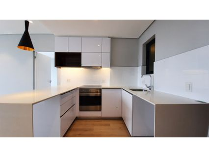 R 2,600,000 - 1 Bed Flat For Sale in Cape Town - City Bowl