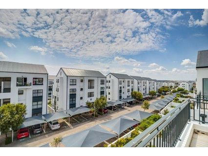 R 7,800 - 1 Bed Flat To Rent in Greenstone Hill