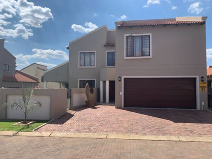 R 2,200,000 - 3 Bed Property For Sale in Rynfield