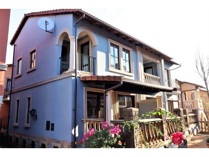 R 10,500 - 2 Bed Property To Rent in Plantations Estate
