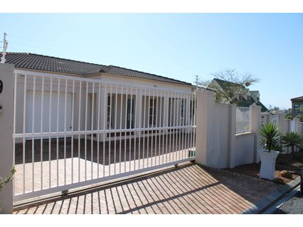 R 3,550,000 - 4 Bed Home For Sale in Blouberg Sands