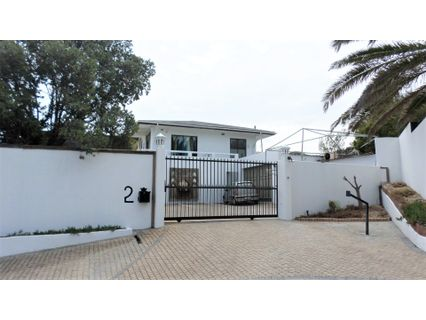 R 9,950,000 - 12 Bed House For Sale in Bloubergstrand