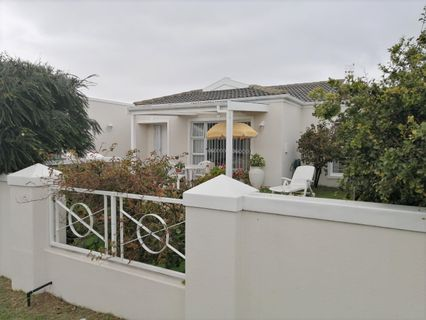 R 2,150,000 - 2 Bed Home For Sale in Sunningdale