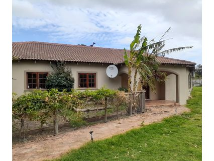 R 5,000,000 - 6 Bed Farm For Sale in Sir Lowrys Pass