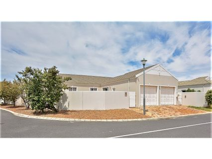 R 2,390,000 - 3 Bed Property For Sale in Sunningdale