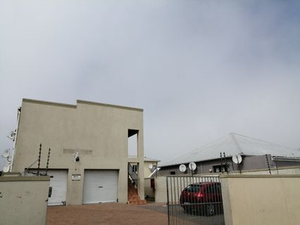 R 450,000 - 1 Bed Flat For Sale in Brooklyn