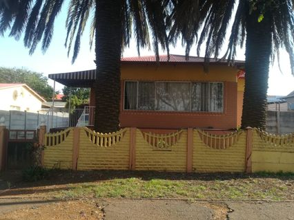 R 950,000 - 3 Bed Home For Sale in Crosby
