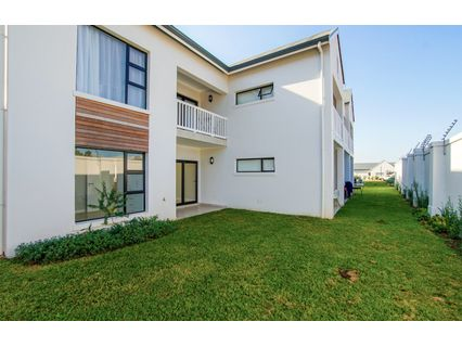 R 1,250,000 - 2 Bed Flat For Sale in Kloof