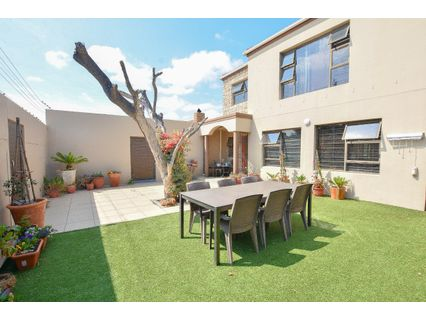 R 3,150,000 - 4 Bed House For Sale in Milnerton
