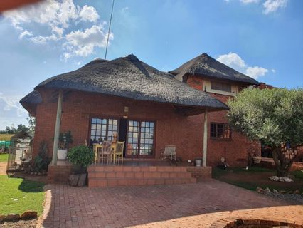 R 2,199,000 - 5 Bed Farm For Sale in Magaliesburg