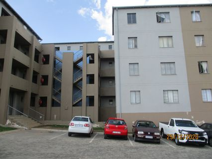 R 4,200 - 2 Bed Flat To Rent in Fleurhof
