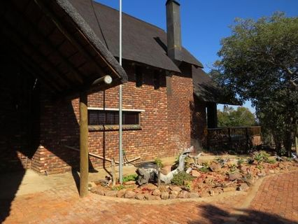 R 300,000 - 4 Bed Property For Sale in Vaalwater