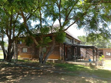 R 1,400,000 - 2 Bed Farm For Sale in Vaalwater