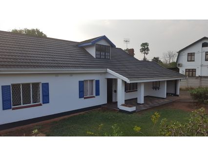 R 10,000 - 3 Bed Property To Rent in Hayfields