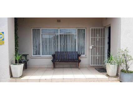R 980,000 - 3 Bed Property For Sale in Actonville