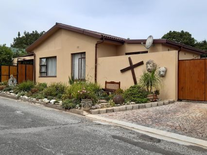 R 2,750,000 - 6 Bed House For Sale in Dormehl's Drift