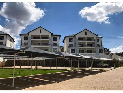 R 9,400 - 2 Bed Flat To Rent in Greenstone Hill