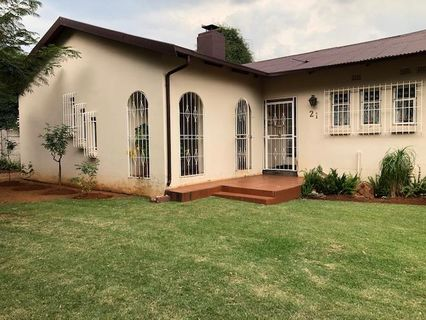 R 920,000 - 4 Bed House For Sale in Casseldale