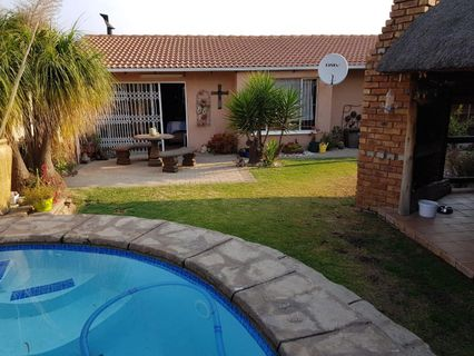 R 1,300,000 - 3 Bed Property For Sale in Huntingdon