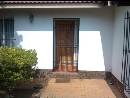 R 6,800 - 1 Bed Home To Rent in Monument Park