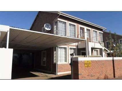 R 9,450 - 3 Bed House To Let in Bo Dorp