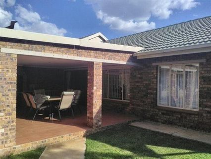 R 1,065,000 - 3 Bed House For Sale in Jordaan Park