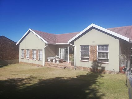 R 1,599,000 - 6 Bed Property For Sale in Rant-En-Dal