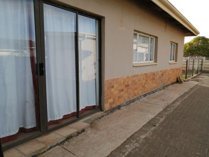 R 1,550,000 - 3 Bed House For Sale in Hospital Park
