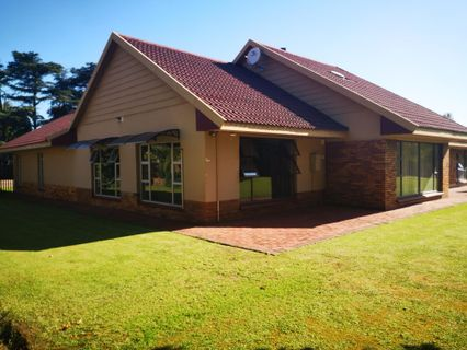 R 2,100,000 - 5 Bed Property For Sale in Three Rivers Proper