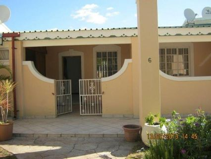 R 380,000 - 2 Bed House For Sale in Rooiberg
