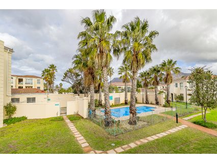 R 1,675,000 - 2 Bed Flat For Sale in Tokai