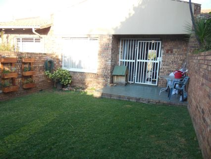 R 499,000 - 1 Bed Property For Sale in Wilgeheuwel