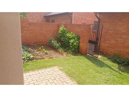 R 7,350 - 2 Bed Flat To Rent in Eco-Park Estate