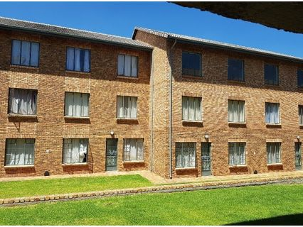 R 720,000 - 2 Bed Apartment For Sale in Grand Central
