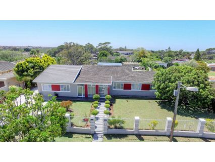 R 1,515,000 - 5 Bed Property For Sale in Linton Grange