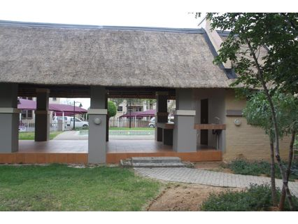 R 695,000 - 2 Bed Apartment For Sale in Sundowner