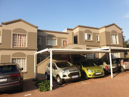 R 665,000 - 3 Bed Apartment For Sale in Roodekrans