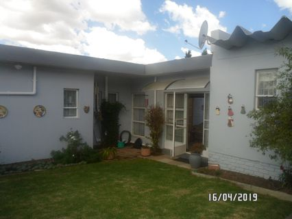 R 925,000 -  Flat For Sale in Rosettenville