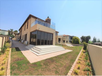 R 9,795,000 - 6 Bed Home For Sale in Blue Valley Golf Estate